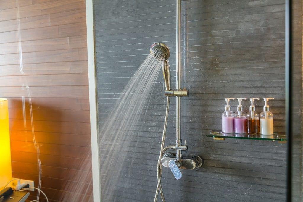 Shower with water saving showerhead